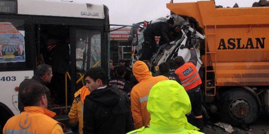Ankara Keçiören'de Trafik Kazası: 11 Yaralı