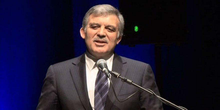 Abdullah Gül yeni parti iddiası için açıklama yaptı!