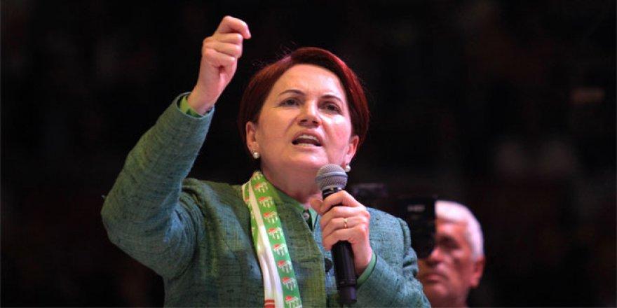 Meral Akşener'den flaş karar üç milletvekiliyle birlikte