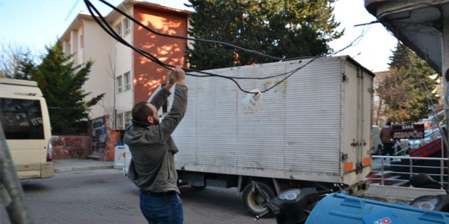 Avcılar'da Mahallelinin Kablo Çilesi