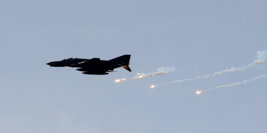 Rus Savaş Uçağı Akdeniz'de Düştü