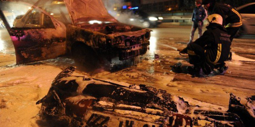 Bursa'da hareket halinde ki araç alev aldı!