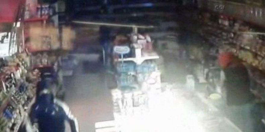 Market hırsızları kamerada böyle yakalandı