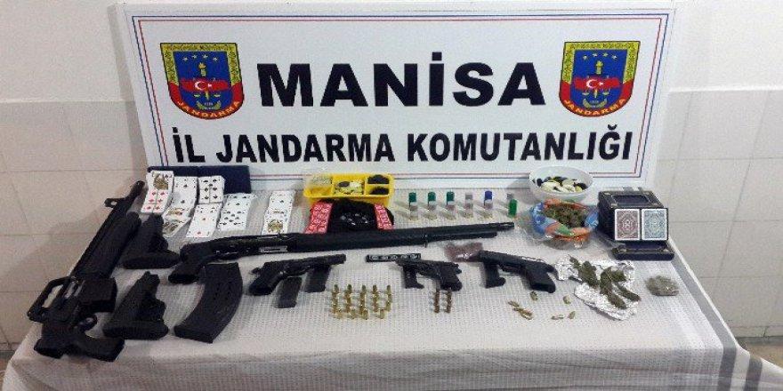 Manisa'da Huzur Operasyonu: 12 Gözaltı