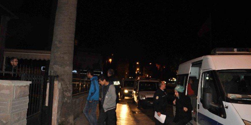 İzmir, Buca'da Evlerinden Kaçan 7 Çocuk Kuşadası'nda Bulundu