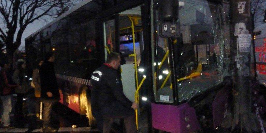 İstanbul, Kadıköy'de Belediye Otobüsü Dehşeti: 4 Yaralı