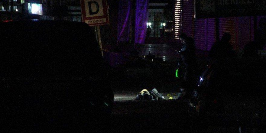Diyarbakır'da Sokak Ortasında Çatışma! 1 Terörist Öldürüldü