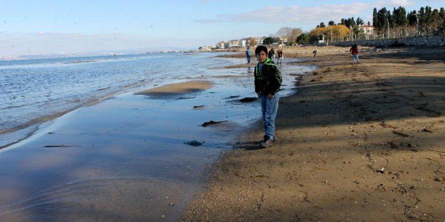 Yalova'da Korkutan olay!  Deniz 20 Metre Çekildi