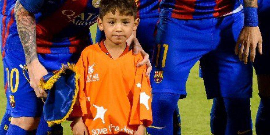 Poşetten Messi Forması Giyen Minik Murtaza, Kahramanına Ulaştı!