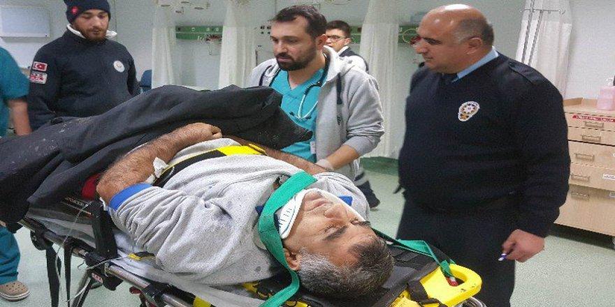 Samsun'da Buzda Kayan Kamyon Tıra Çarptı: 1 Yaralı