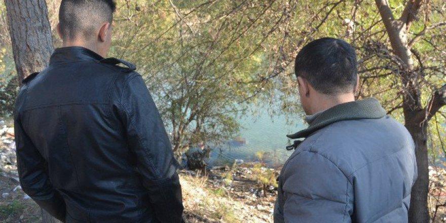 Nehirde Bulunan Cesedi Film Gibi İzlediler