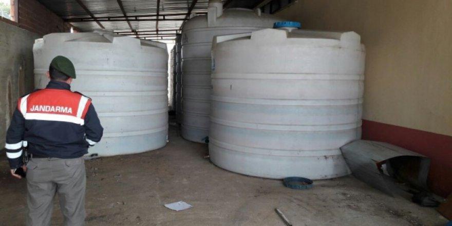 Çanakkale'de Yıl Başı Öncesi 90 Ton Kaçak İçki Ele Geçirildi
