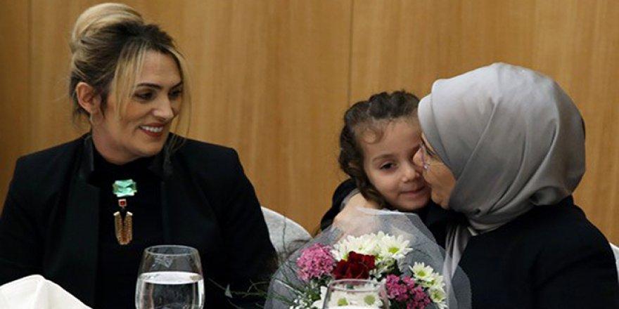 Emine Erdoğan, Trabzon'da Şehit Aileleri İle Buluştu