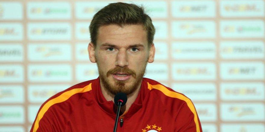 Galatasaray'da Serdar Aziz Sezonu Kapattı