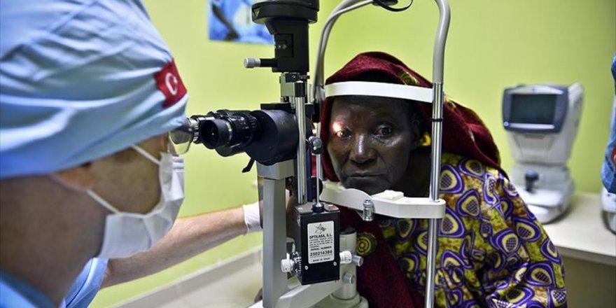 İHH sayesinde Binlerce Afrikalı ışığa kavuştu