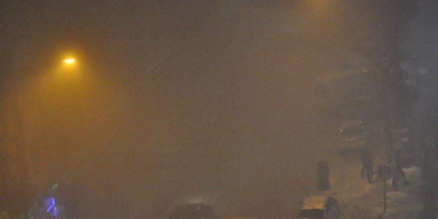 Kars'ta görüş mesafesi 5 metreye düştü