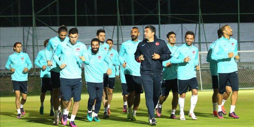 A Milli Futbol Takımı, Moldova maçı hazırlıkları sürüyor