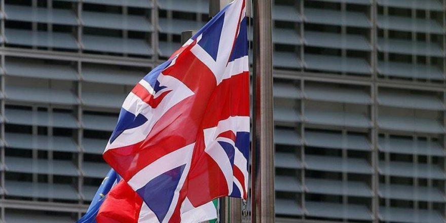 İngiltere'den AB Çalışanları İçin Bin Sterlin Talep