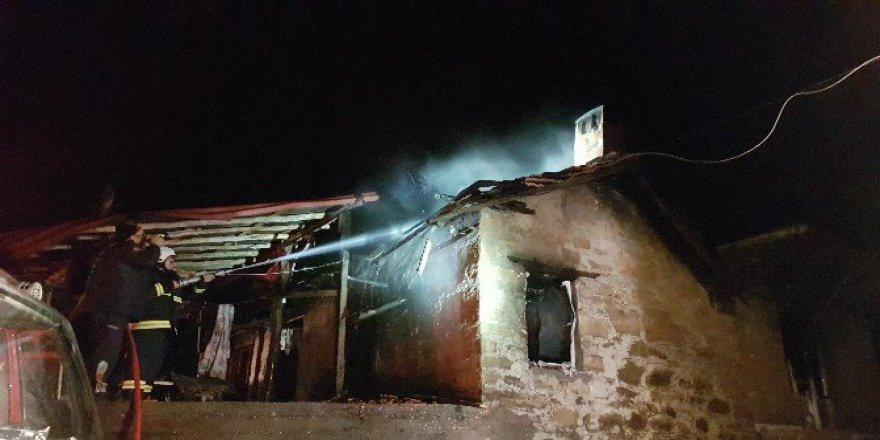 Antalya'da Ev Yangını: Mustafa Kulaç Hayatını Kaybetti