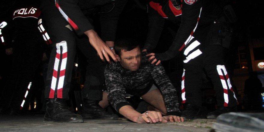Samsun'da İki Kişi Arasında Bıçaklı Kavga: 1 Yaralı