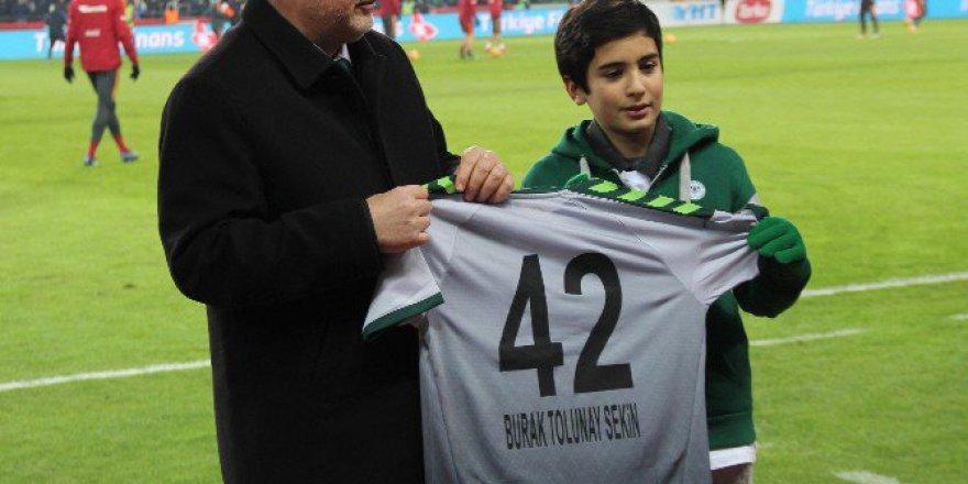Şehit Polis Fethi Sekin'in Oğlu Konyaspor-Galatasaray Maçında