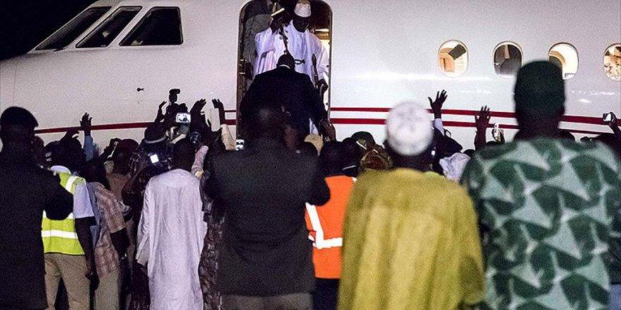 Diktatör Jammeh daha fazla direnemedi