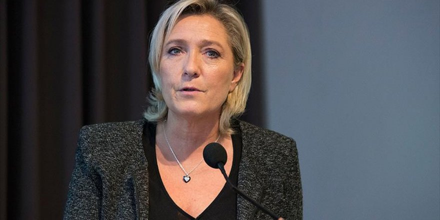 Ulusal Cephe'nin Başkanı Le Pen'den şok açıklama
