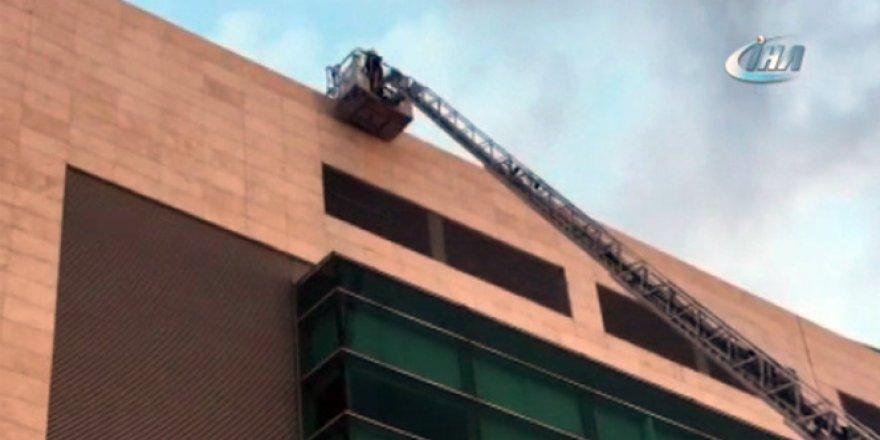Ankara'da AVM'de yangın çıktı! Bina boşaltıldı