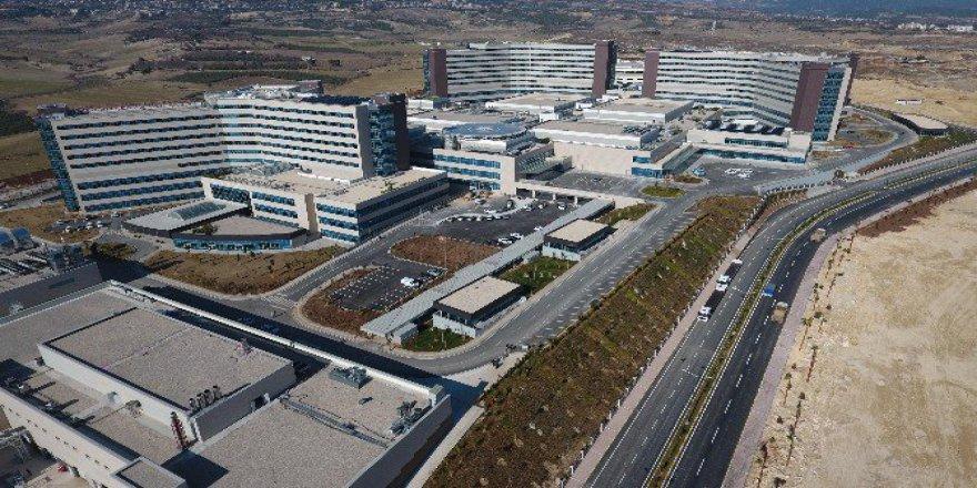 Türkiye'nin İlk Şehir Hastanesi Mersin'de Yarın Açılıyor