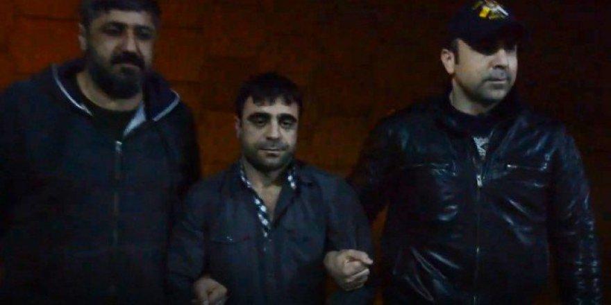 13 Ayrı Suçtan 50 Yıl Hapisle Aranan Cezaevi Firarisi Kuşadası'nda Yakalandı