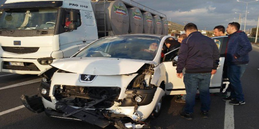 Balıkesir, Edremit'te Zincirleme Kaza: 3 Yaralı