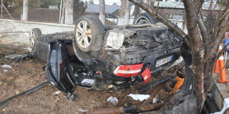 Bursa-Ankara Karayolunda Duvara Çarpan Otomobilde Can Pazarı
