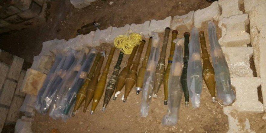 Mardin, Nusaybin'de Mezarlıktan PKK'ya Ait Cephanelik Çıktı