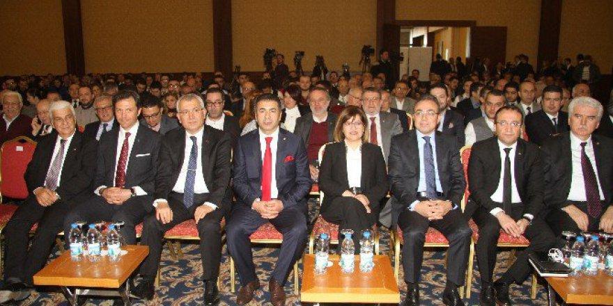 Denizli'de Eximbank Kredileri ve İhracatçıya Yönelik Finans Kaynakları Semineri Düzenlendi