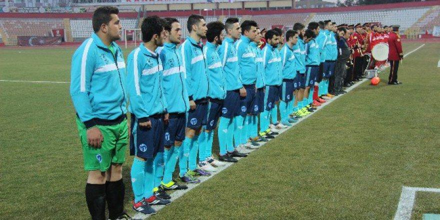 Kahramanmaraş'ta Şehit Ömer Halisdemir Maçında Dostluk Kazandı