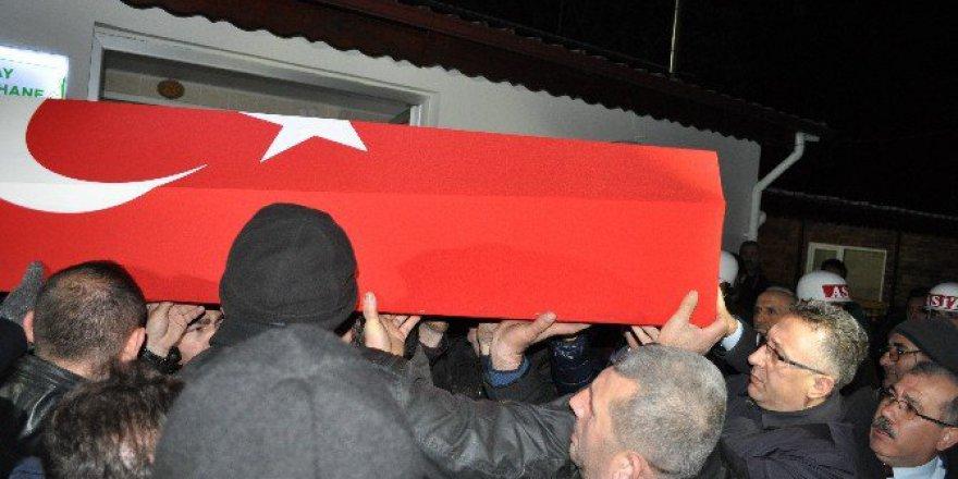 El-Bab Şehidi Er Ömer Akkuş'un Cenazesi Memleketi Sakarya'ya Getirildi