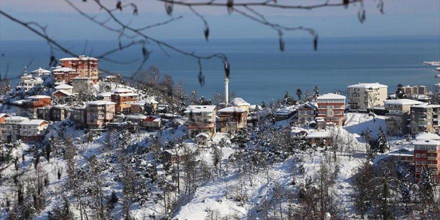 Rize,Trabzon,Giresun ve Ordu'da okullara kar tatili