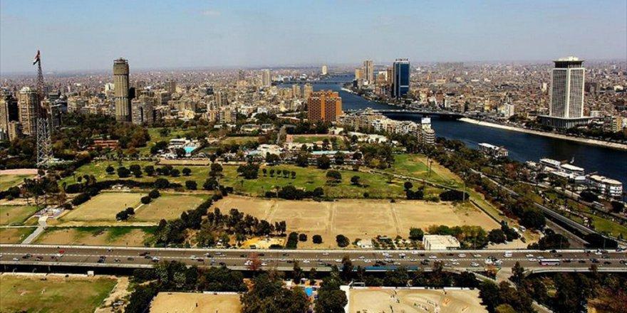Mısır tarihinde bir ilk : Kadın vali atandı