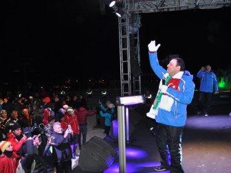 Sarıkamış Kış Oyunları Festivali'nde Sanatçı Mahmut Tuncer'den Sıcak Konser