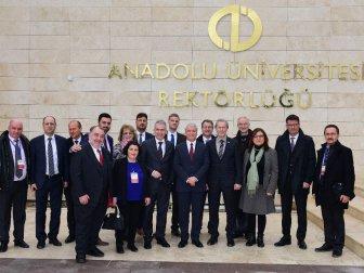 Frankfurt Belediye Başkanı Feldman ve Kafilesinden Anadolu Üniversitesine Ziyaret