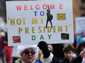 Trump'a Benim Başkanım değil protestosu