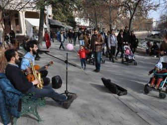 Eskişehir'de  Sokak Müzisyenleri Özgürlük İstiyor