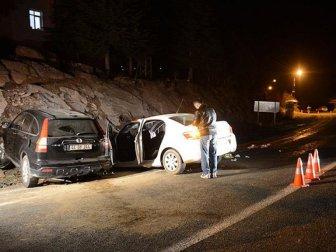 Pütürge Kaymakamı Erkan Savar Trafik Kazası Geçirdi: 2 Ölü, 5 Yaralı (Derviş Özacar, Mahmut Önal)
