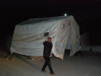 Adıyaman'da Önce Çadırlara Yerleştiler Sonra İse Sırtlayıp Götürdüler