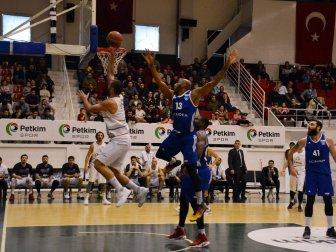 Türkiye Basketbol Ligi, Petkim Spor 77-70 Acıbadem Üniversitesi