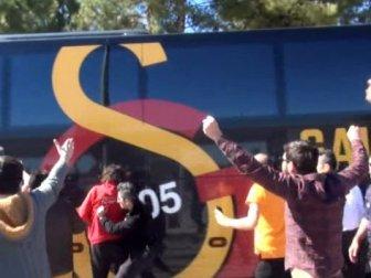 Galatasaray otobüsüne saldırı