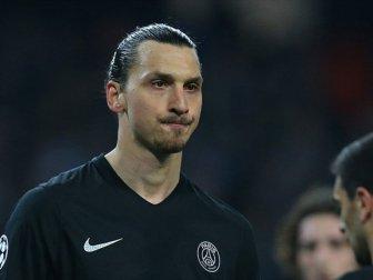 Manchester United'da Forma Giyen Zlatan Ibrahimovic'e 3 Maç Ceza