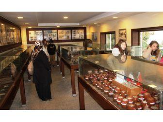 Bakkal Dükkanını Müze Yaptı
