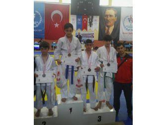 Kırşehirli Judocular Türkiye Finaline Gidiyor