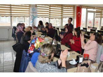 Süleymanpaşa Belediyesi Muhtar Eşlerini Ağırladı